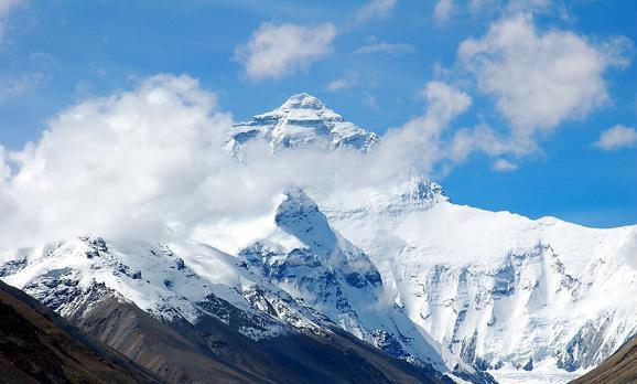 珠峰永久关闭系谣言 实为科学保护再升级