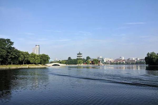 月湖公园.jpg
