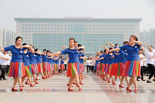 为爱起舞组4.jpg